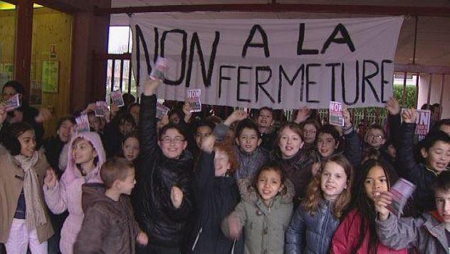 Mobilisation des parents contre la fermeture d'une classe