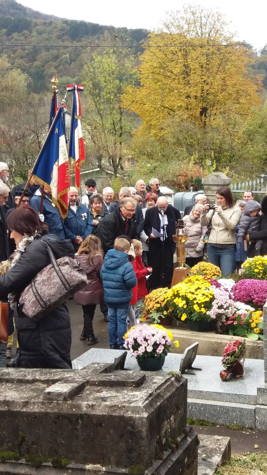 11 novembre : les enfants rendent hommage aux disparus