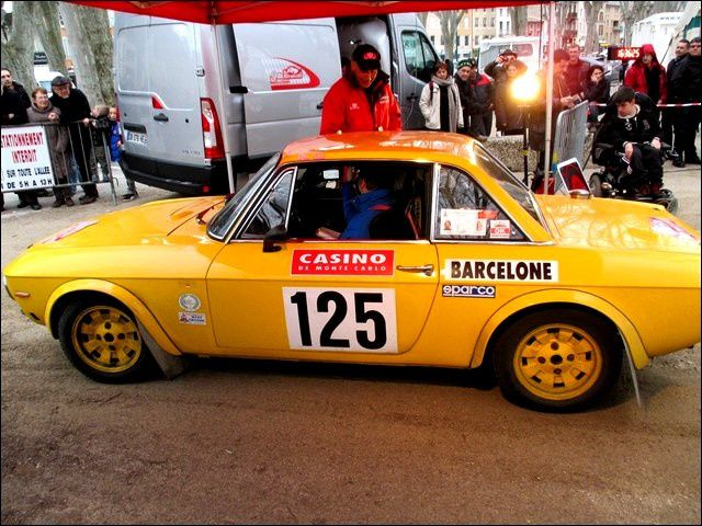 Le17e Rallye Monte-Carlo Historique à Tournon-sur-Rhône.