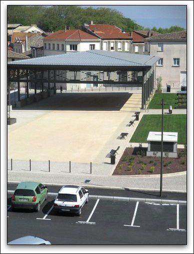 Place des Graviers à Tournon-sur-Rhône