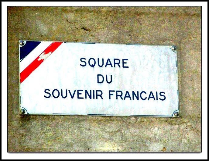Square du souvenir français à Tournon
