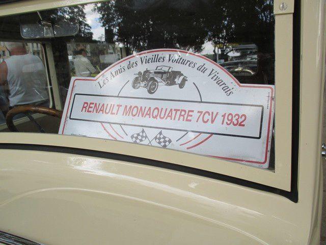 Les amis des vieilles voitures du Vivarais : Tournon-sur-Rhone, une exposition de véhicules anciens ..