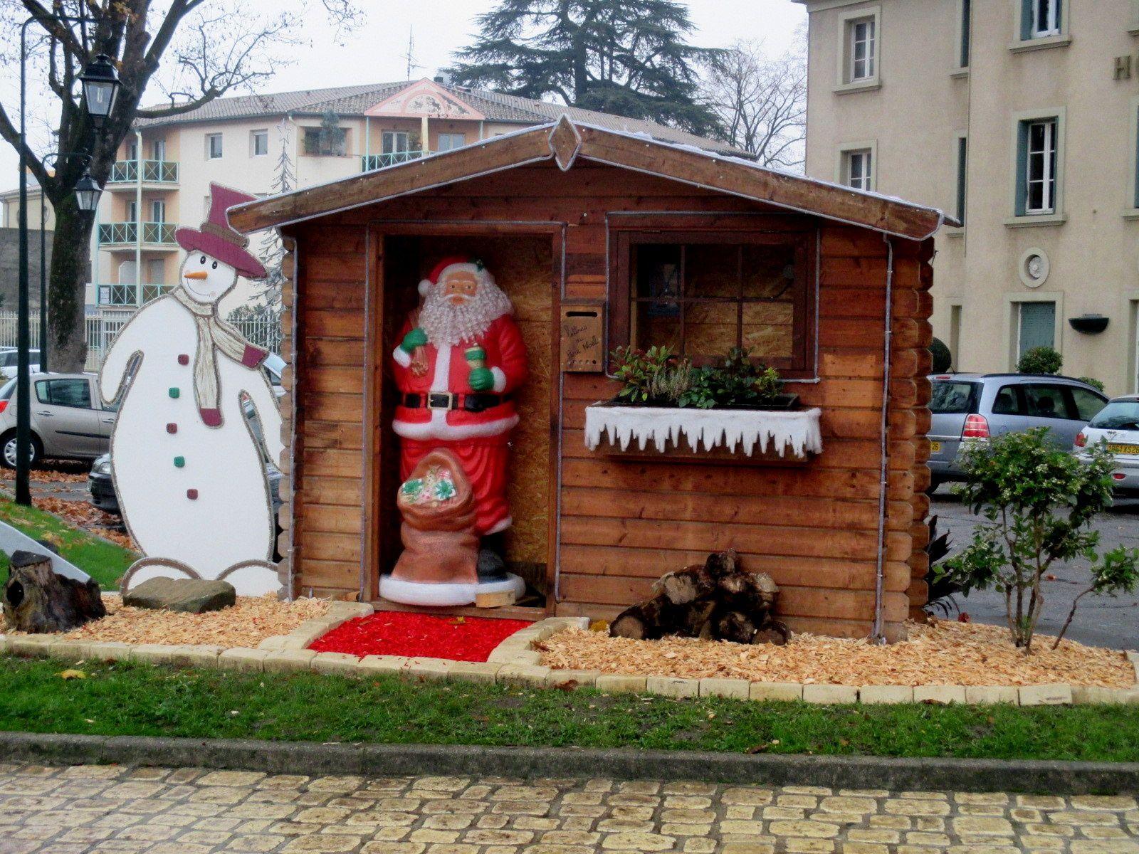 Avant les illuminations, un petit avant-goût des décorations de Noël à Tain-l'Hermitage