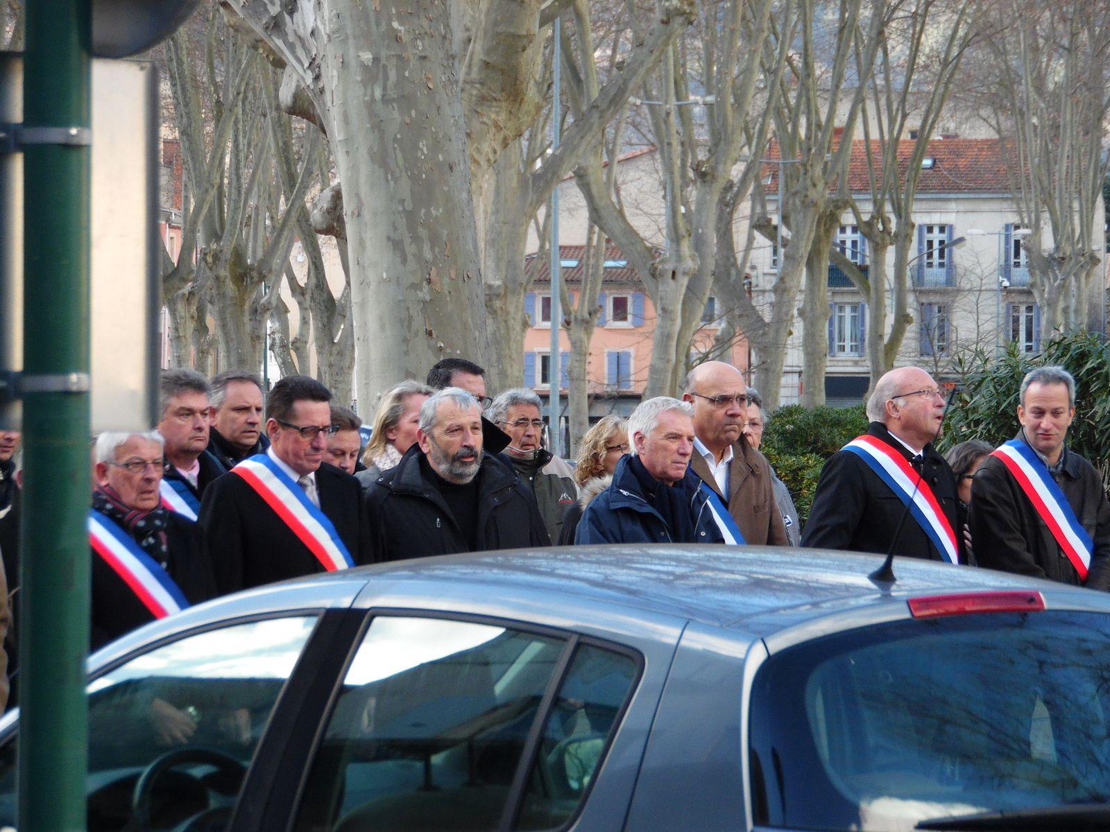 Marée humaine historique à Tournon-sur-Rhône - La marche républicaine est un rassemblement d'ampleur &quot&#x3B;sans précédent&quot&#x3B;,
