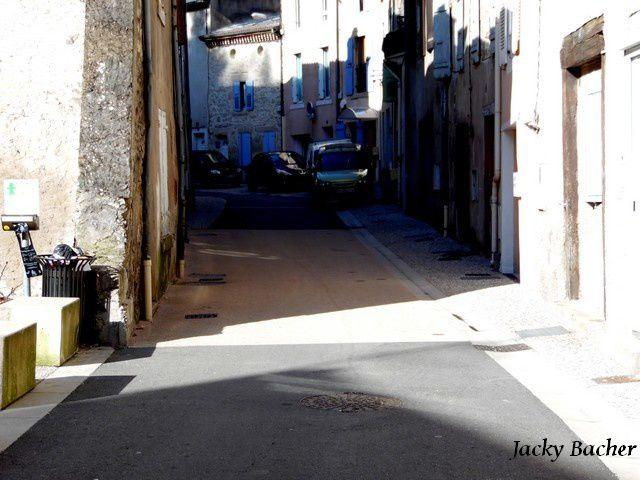 La rue du Doux à Tournon-sur-Rhône