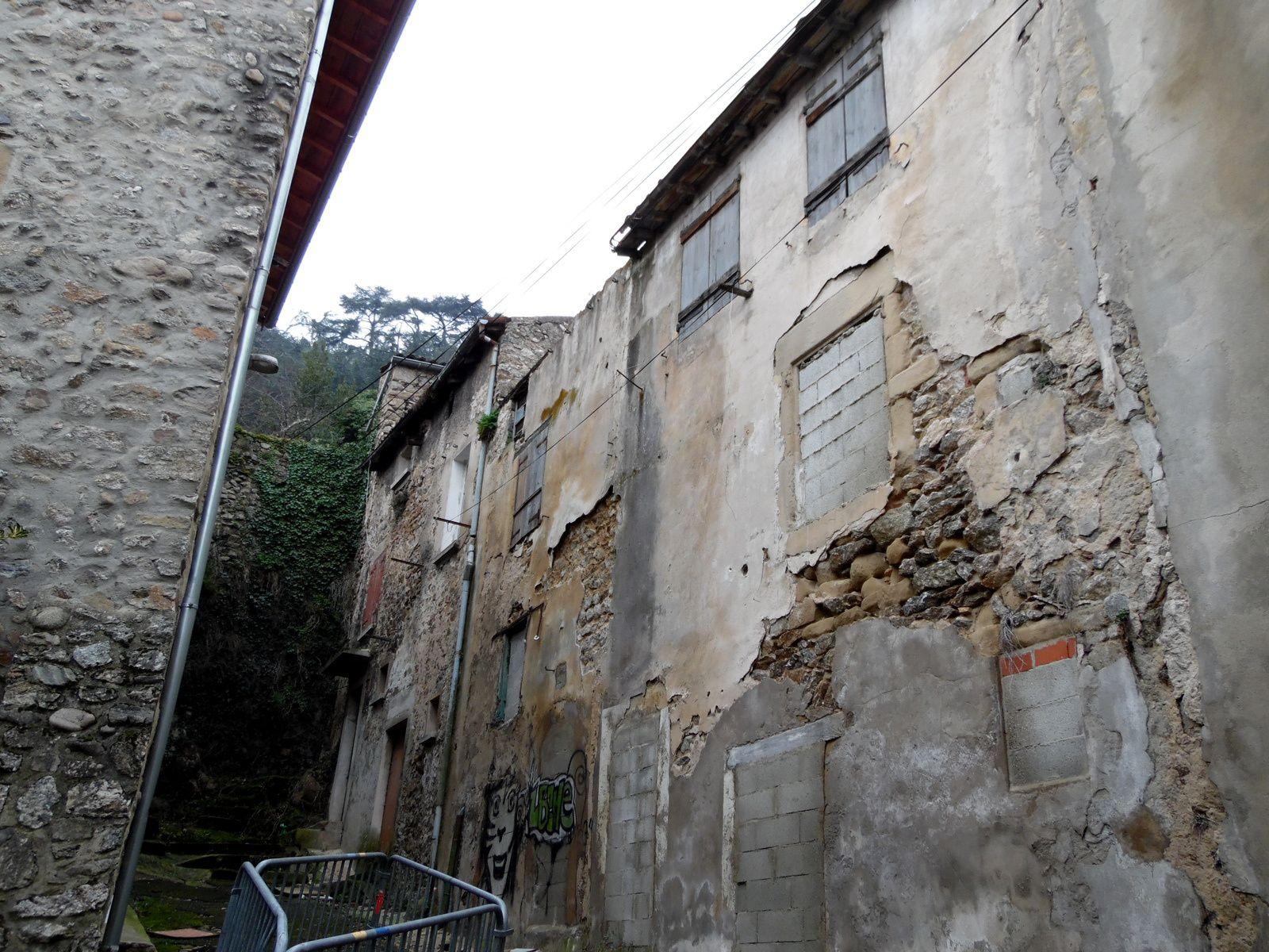 La rue Gourgouillon  à Tournon-sur-Rhône