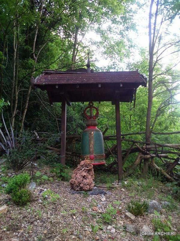 Le monastère BODHINYANARAMA de la tradition des Moines de la Forêt a été créé à Tournon le 7 juillet 1977