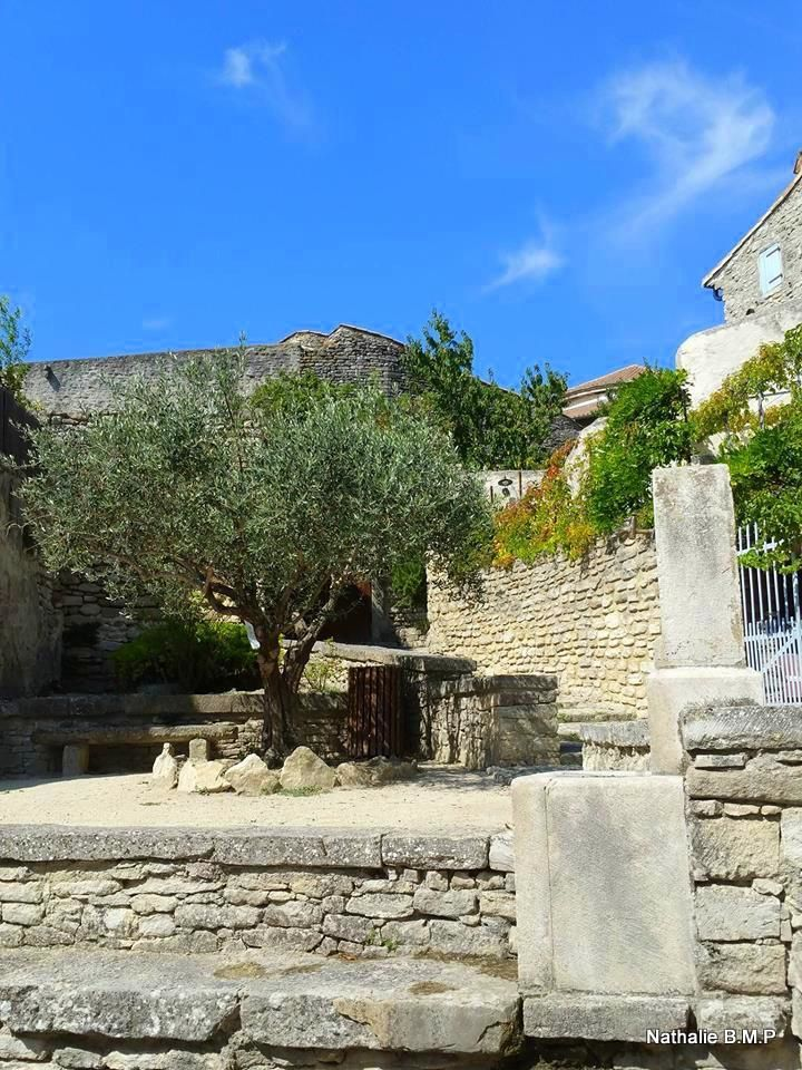 Ballade en Drôme Provençale à Taulignan