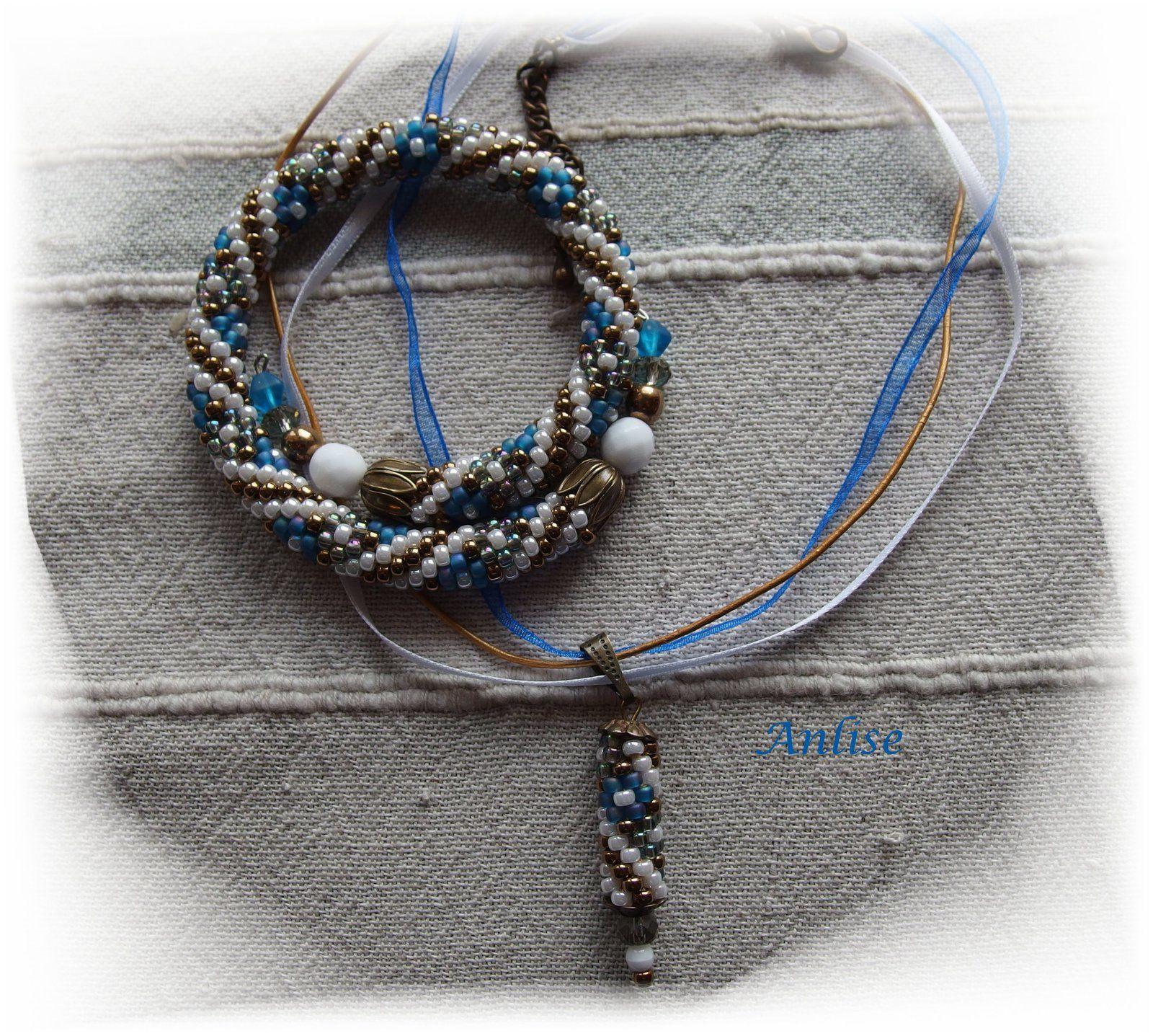 Parure fleurettes bleues