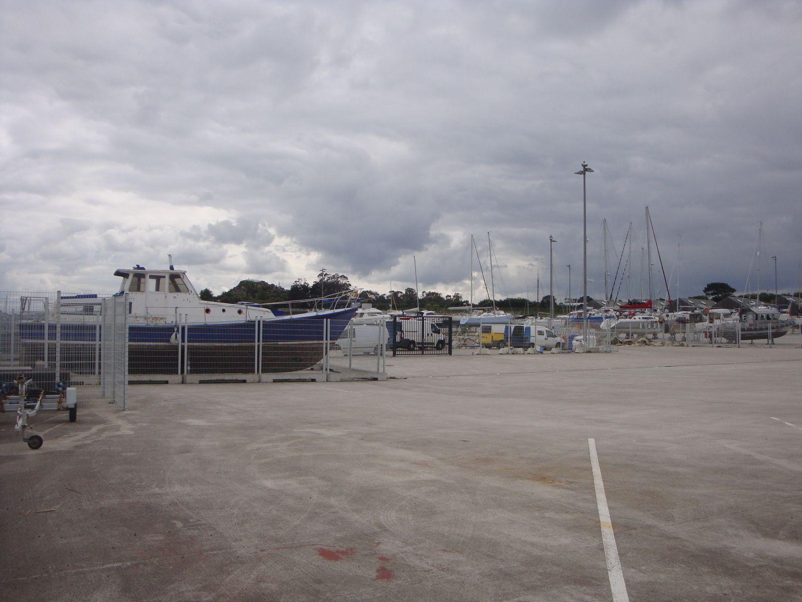 Roscoff  : sa criée, son port et sa jetée