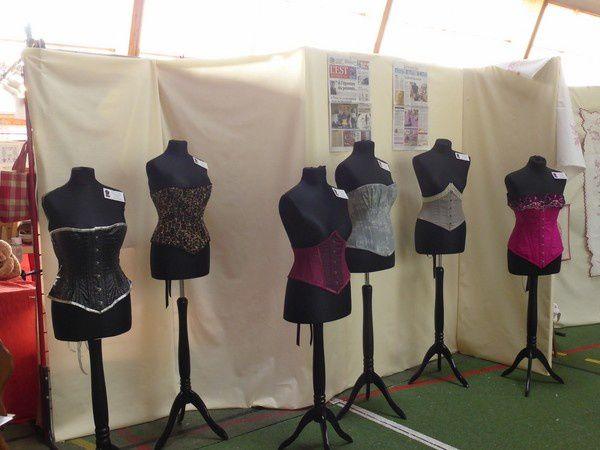Très à la mode...nouvelle déco...les corsets...