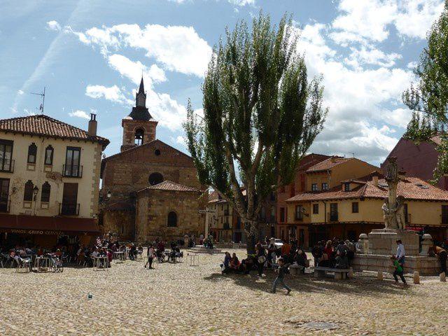1er Mai ...après manif...Plaza Mayor et Plaza Santa Maria del Camino...
