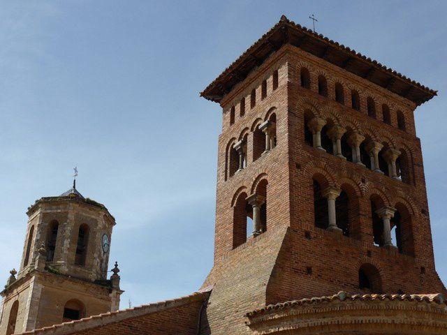 Au Sud-ouest, l'église de San Tirso (XII) de même style... j'aime beaucoup...mais toutes ces églises étaient fermées !