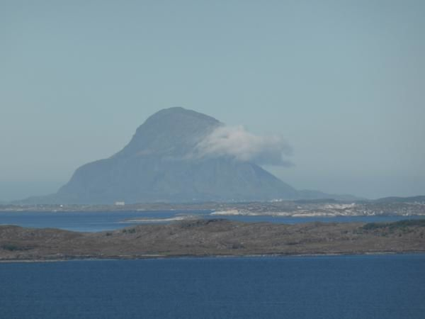 vue sur les îles...curieuse celle-ci avec son petit nuage...