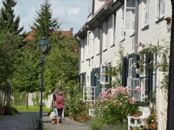 ..pour y découvrir de bien jolis aménagements....habitat social mis en place par de riches négociants dès le XVII....