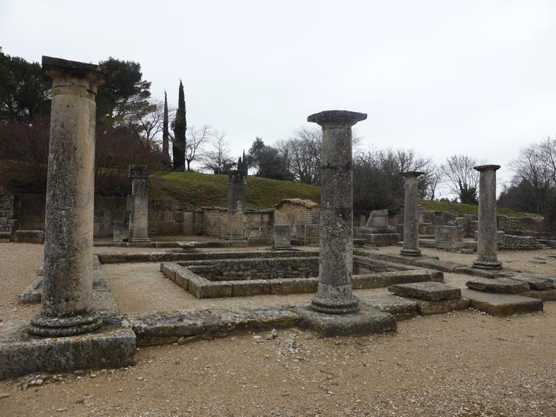 ..exemple de palais avec les pièces autour d'un bassin central...