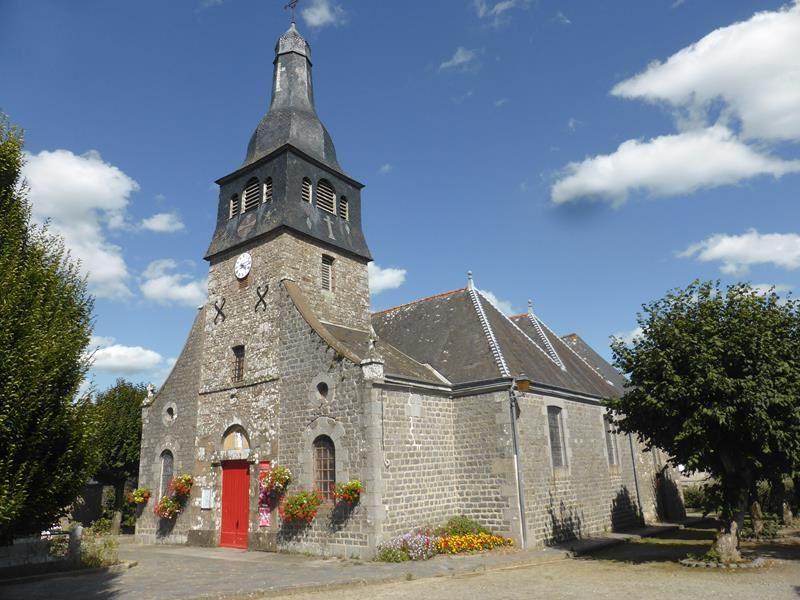 Nous arrivons à Lanhélin...belle petite église du XVIII...