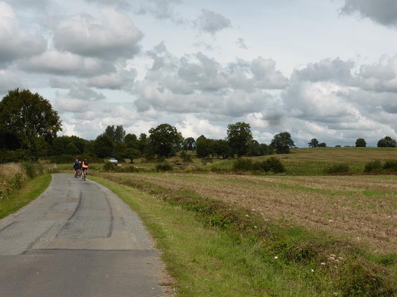 ..balade sur les petites routes de la campagne bretonne...
