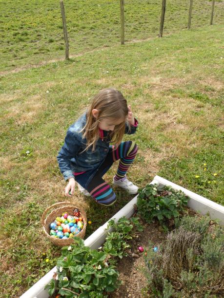 Pâques à Damerey...petite chasse aux oeufs..le lapin est passé par là...