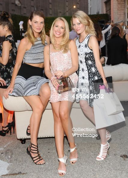 """The Launch Of Parker On Spring"" avec Anna Camp"