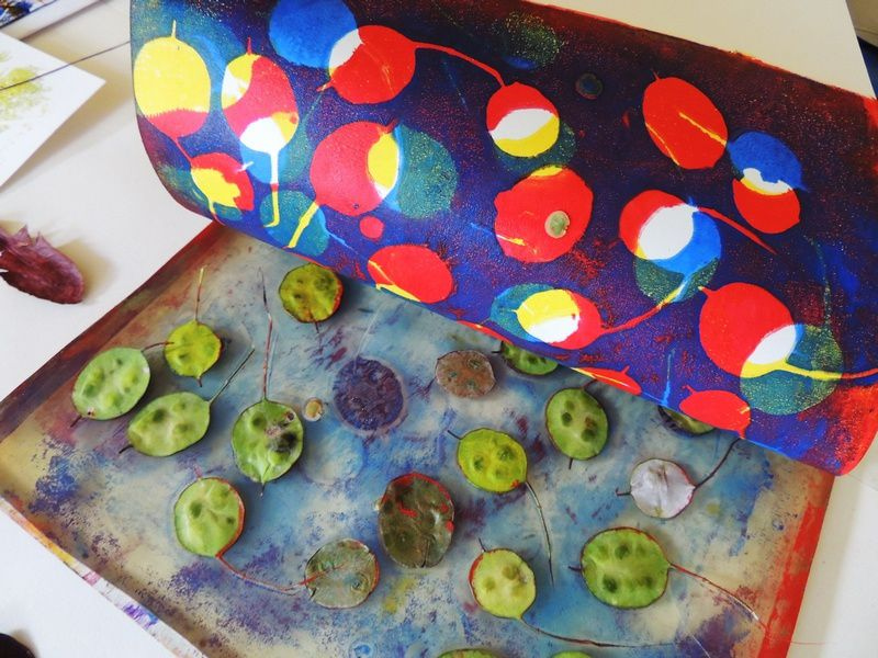 gelli on a plate - wibble wobble ......