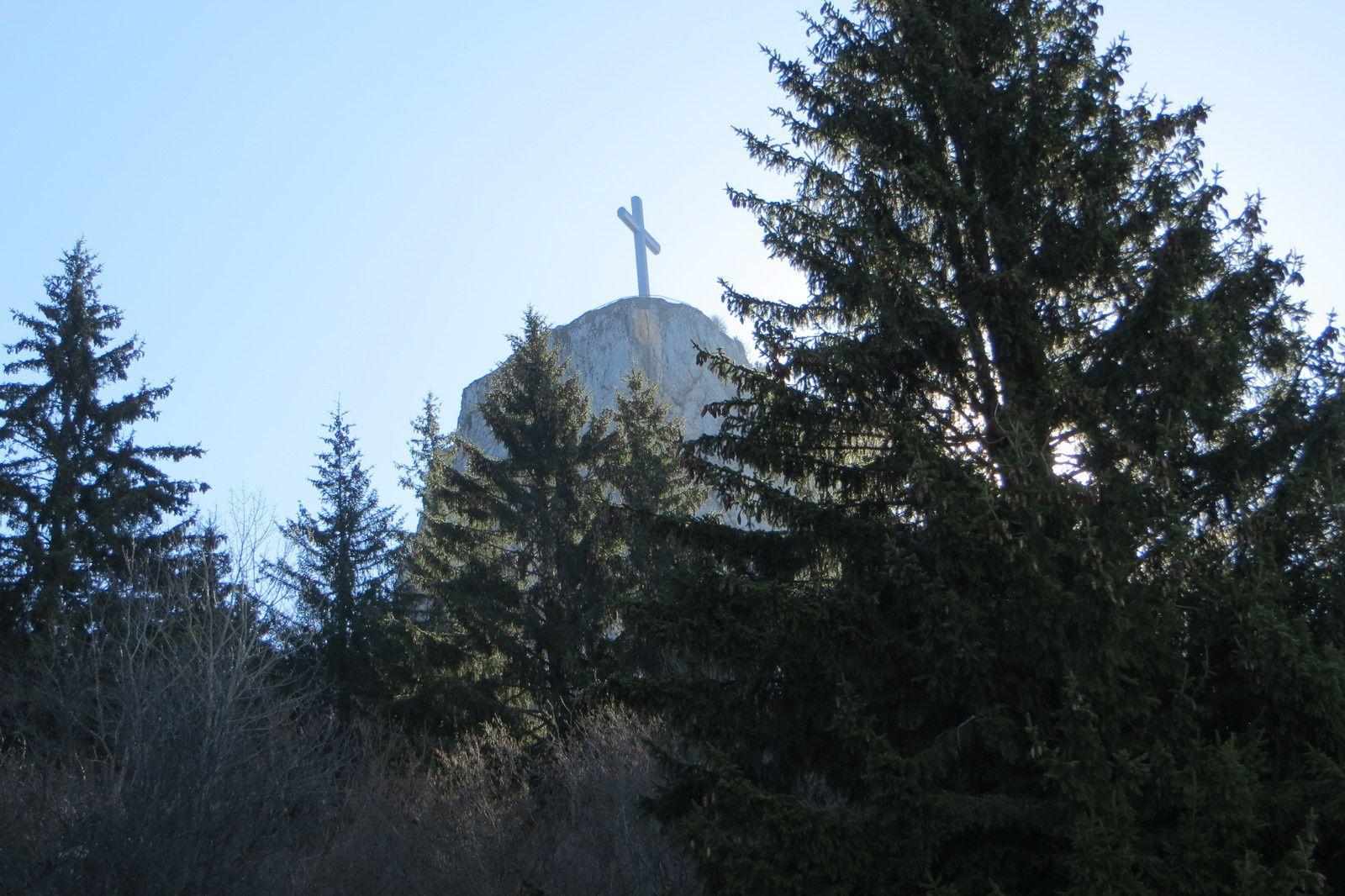 La Croix du Nivolet vue des prés