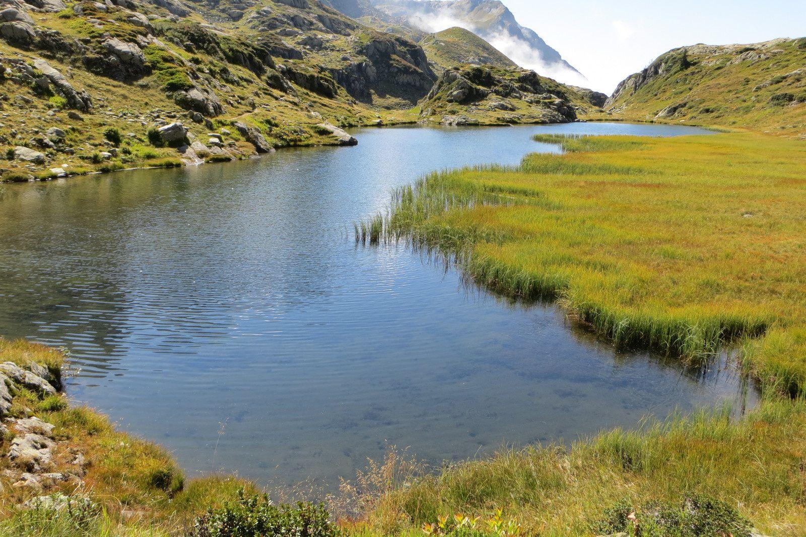 Le premier des deux lacs intermédiaires