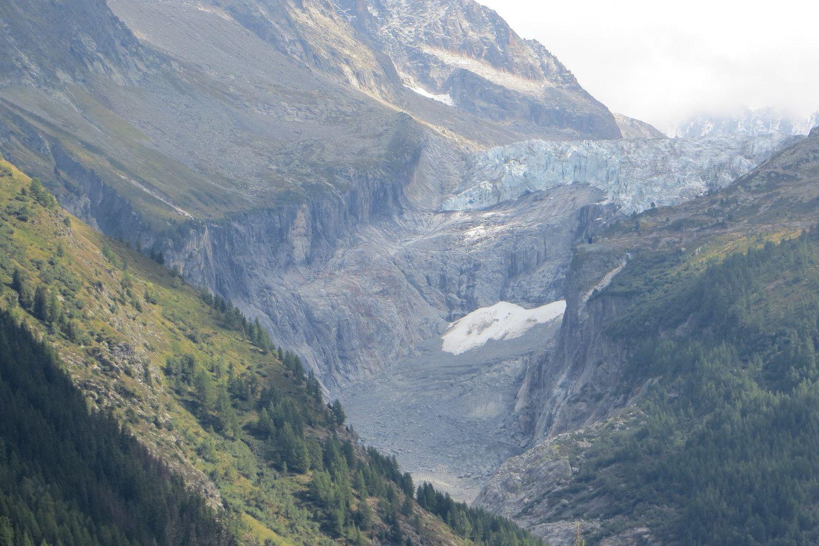 Langue terminale du Glacier d'Argentière vue de Tré-le-Champ