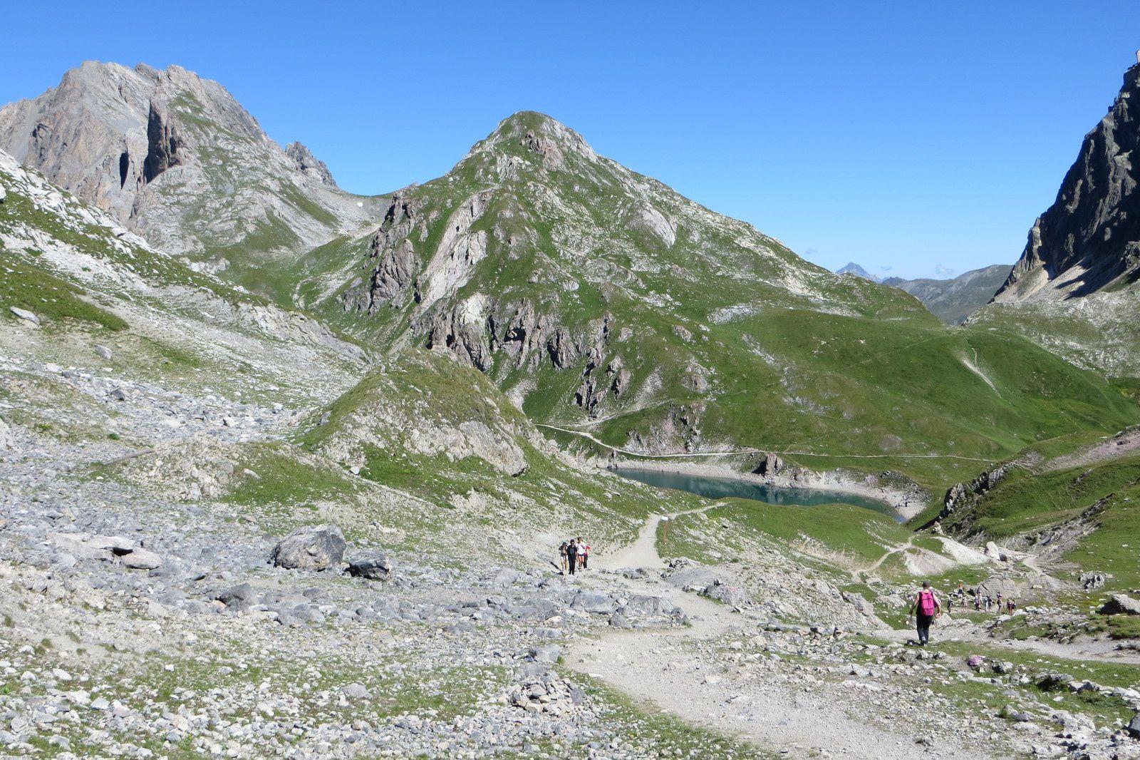 Descente vers le Lac du Grand Ban - Pic de l'Aigle et Pointe de la Plagnette