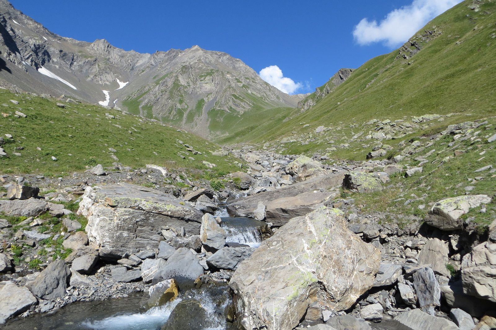 Torrent, Vallon, Combe et Col du Goléon (au fond)