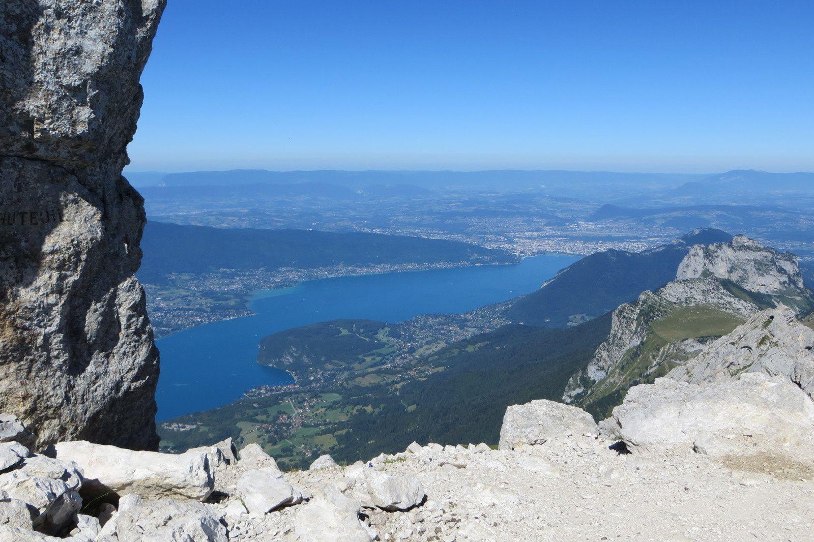 Lac d'Annecy vu du plateau sommital