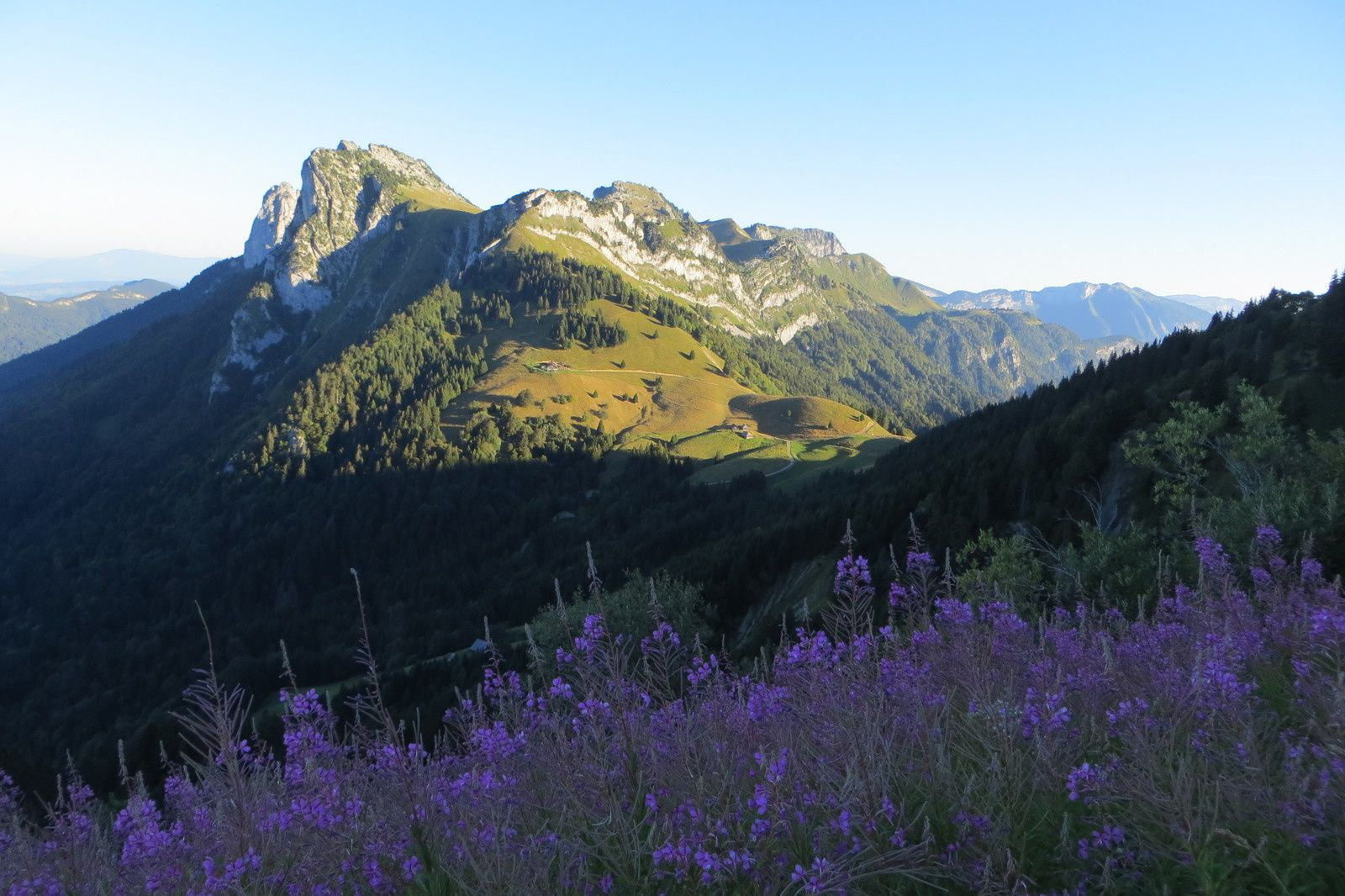 Le Col des Nantets et Le Lanfonet (Roche Murraz et Roc Lancrenaz)
