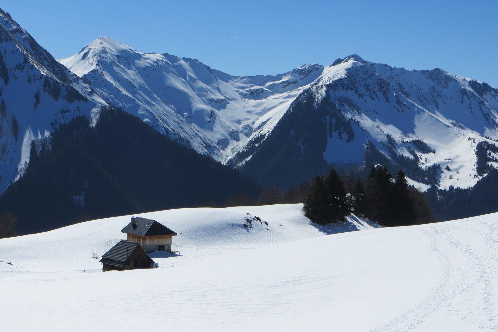 Chalets et alpage d'Allant - Pointes des Arces et des Arlicots