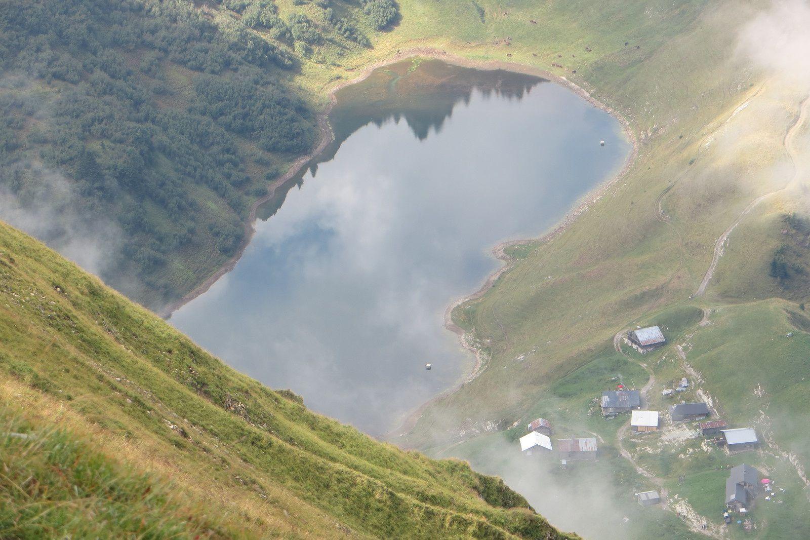 Zoom sur le Lac de Lessy 1781m