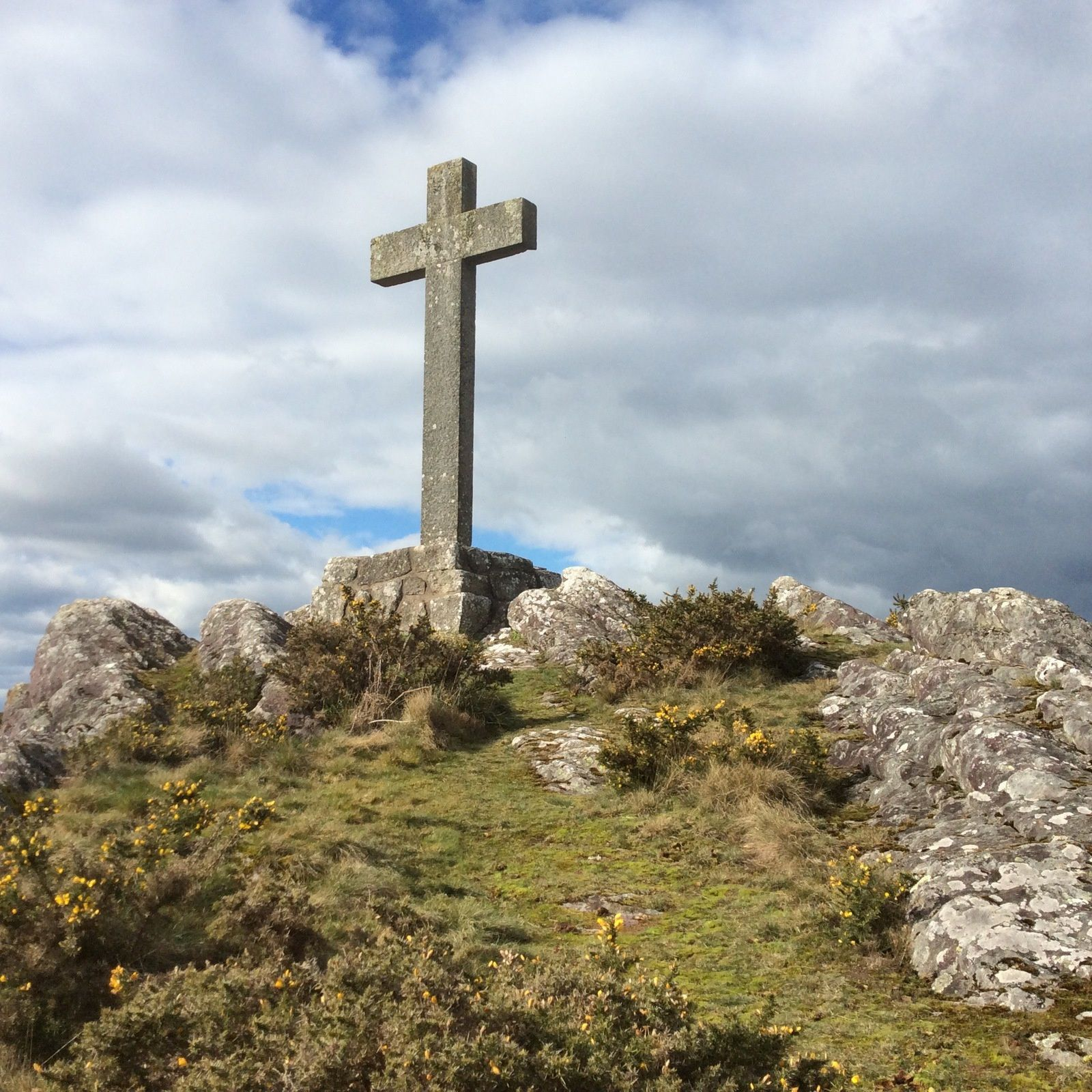 """""""Ô Croix dressée sur le monde..."""" La Croix, c'est le début du nouveau monde où l'Amour peut régner à nouveau dans la vie de ceux qui le reçoivent..."""