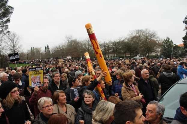 Bayonne le 10 janvier. 20 000 personnes, chiffre avancé par les manifestants et  la préfecture, pour une fois d'accord!