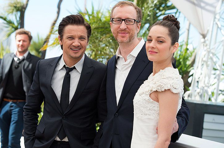 The Guardian - Jeremy Renner, James Gray et Marion Cotillard ont migré à Cannes