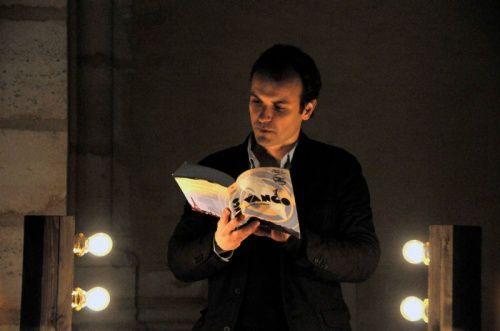 (c) Gallimard Jeunesse - lecture de Vango à Notre Dame de Paris