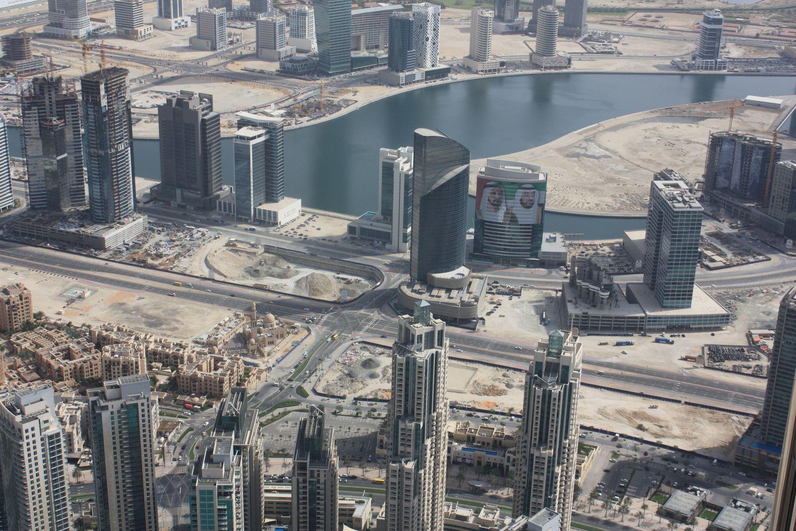 Burj Khalifa (828mètres-163 étages)