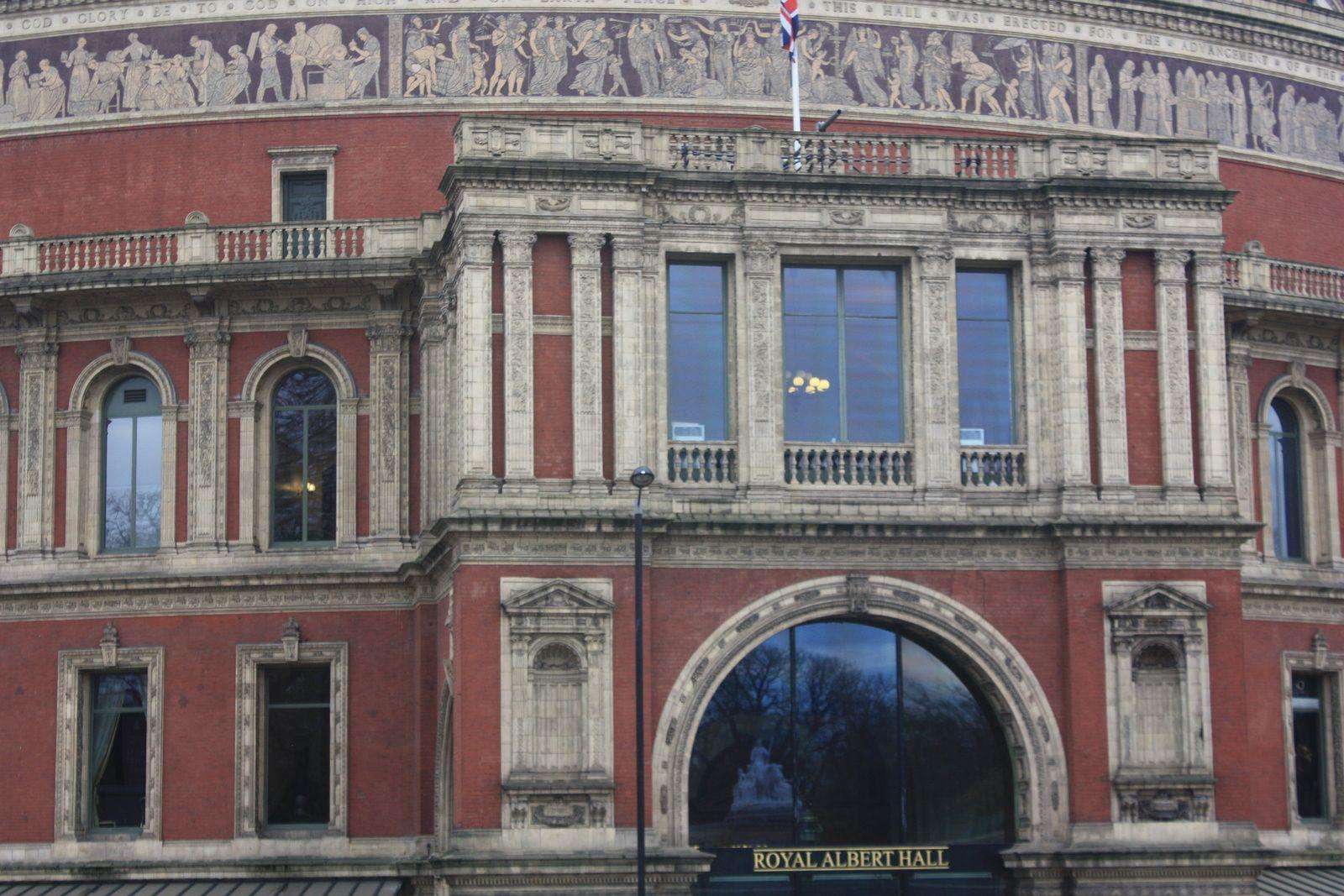 Science Museum / Royal Albert Hall / Albert Memorial / Hyde Park / Harrod's