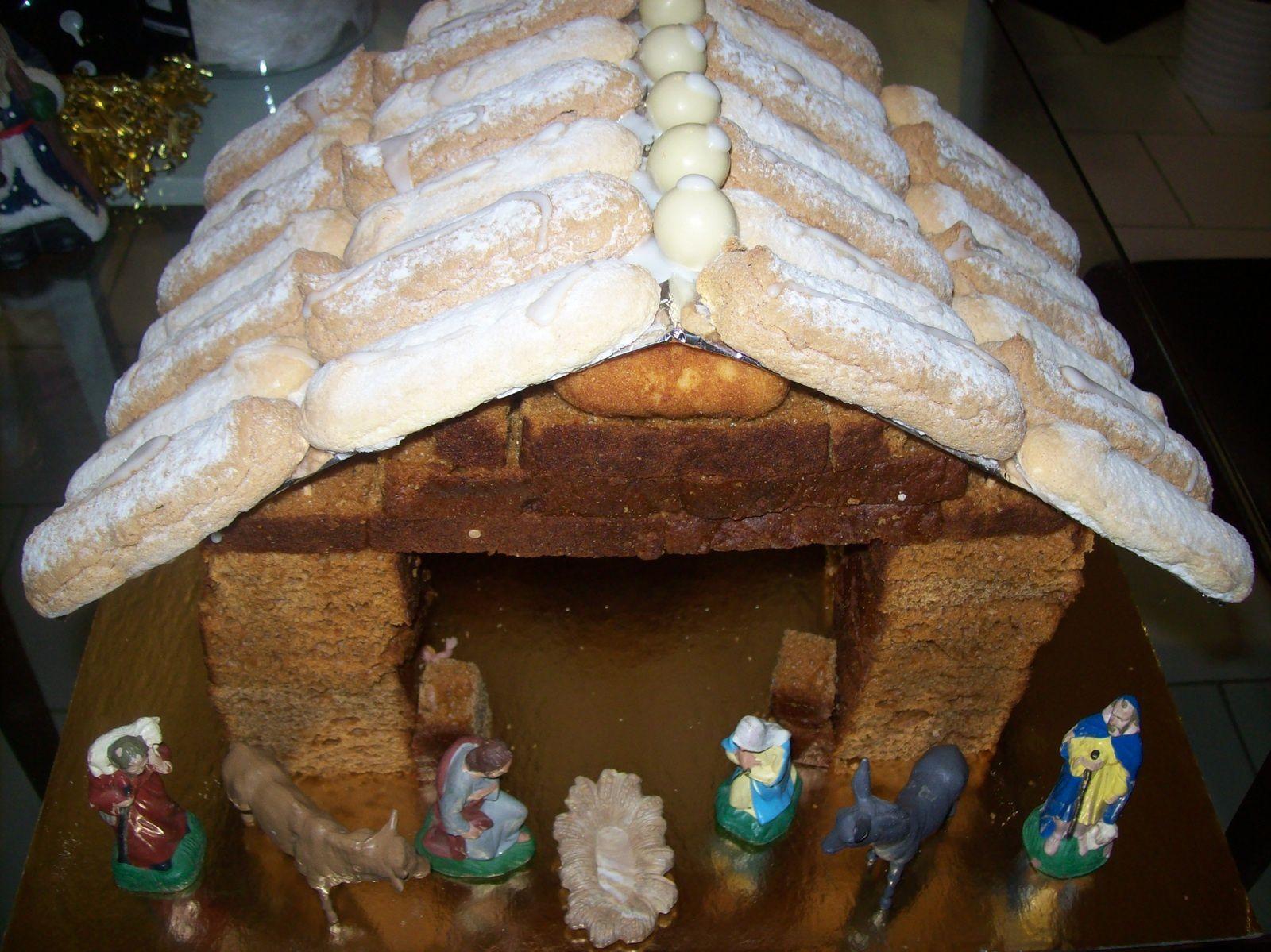 crèche Noel 2013 faites en pain d'épices et biscuits à la cuillère.