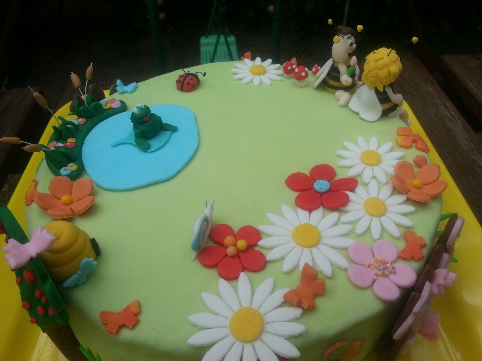 Gâteau d'Anniversaire Maya l'abeille - Angel's Kitchen