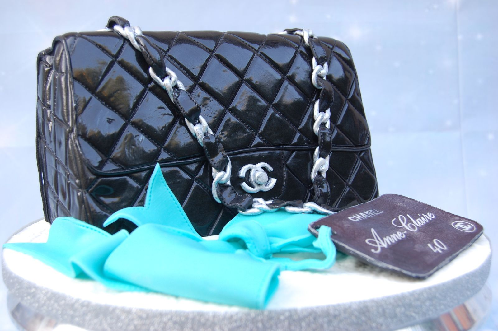 GATEAU SAC A MAIN CHANEL TIMELESS