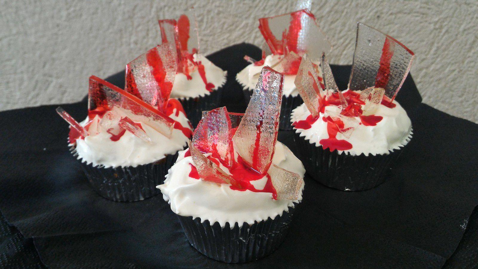BLOODY CAKE HALLOWEEN