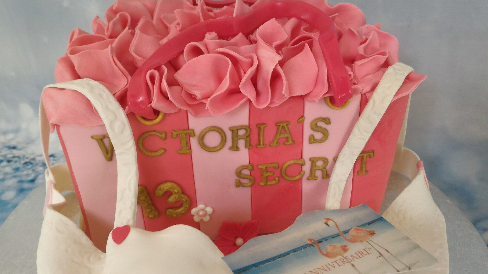 GATEAU VICTORIA'S SECRET