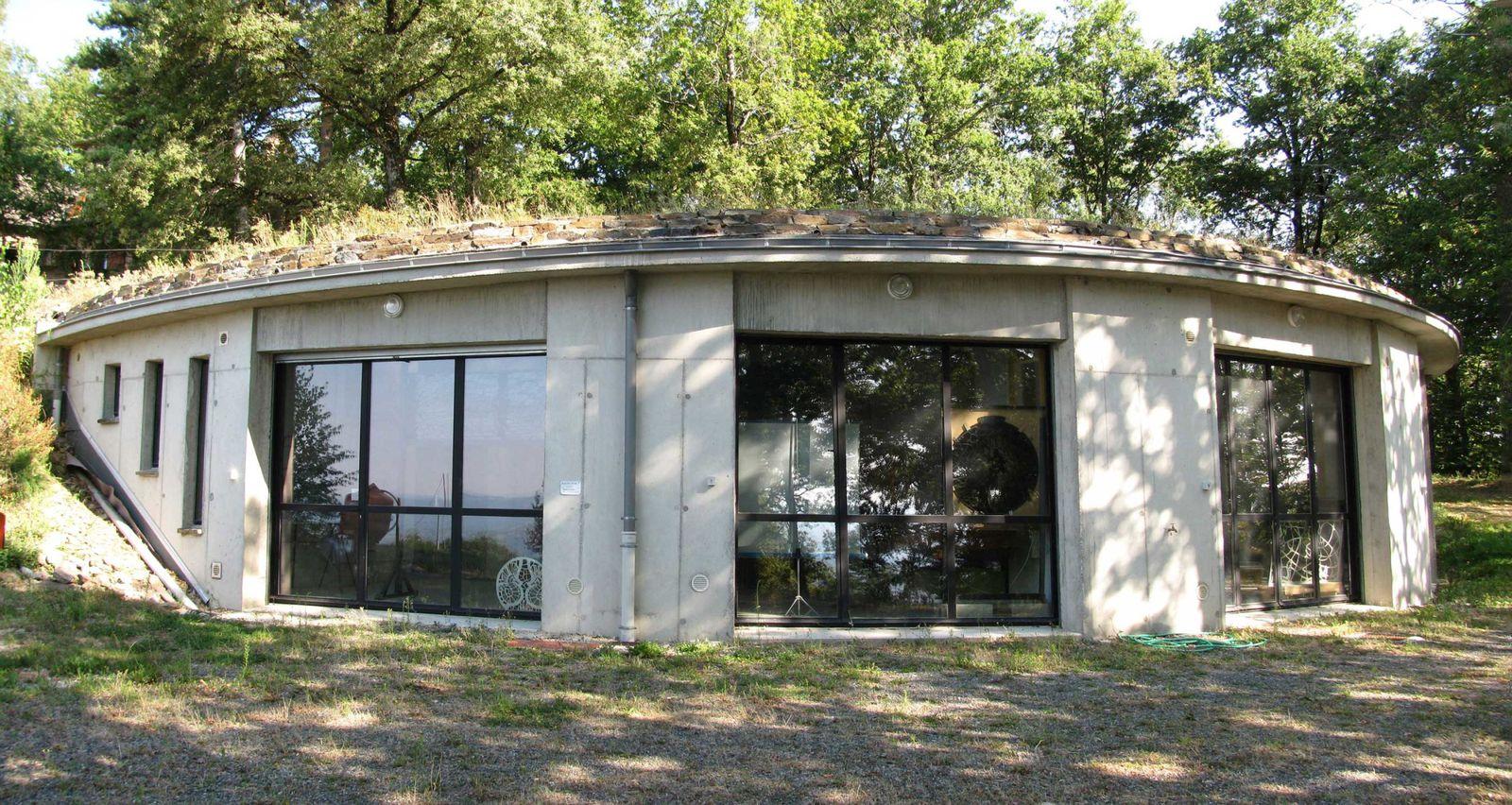 Atelier de création de vitraux - vue exterieure Deniau