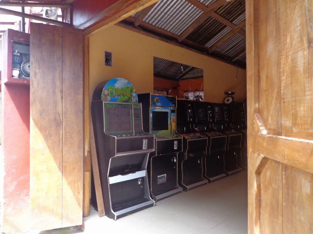 Je ne pensais pas revoir une salle d'arcade un jour, et encore moins dans un endroit comme ça !