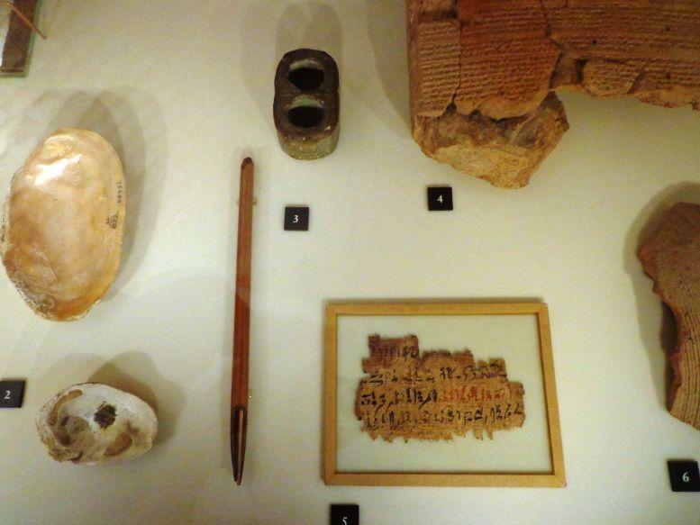 Instruments d'écriture de scribe
