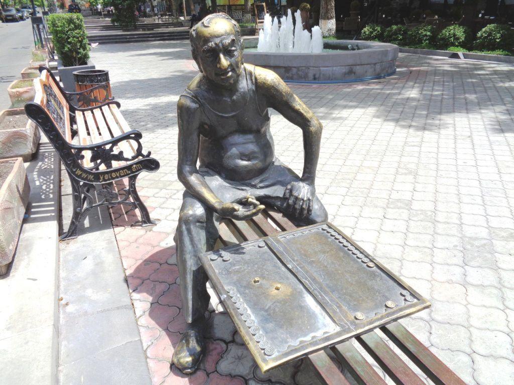 Statue de Eduard Shakhikyan