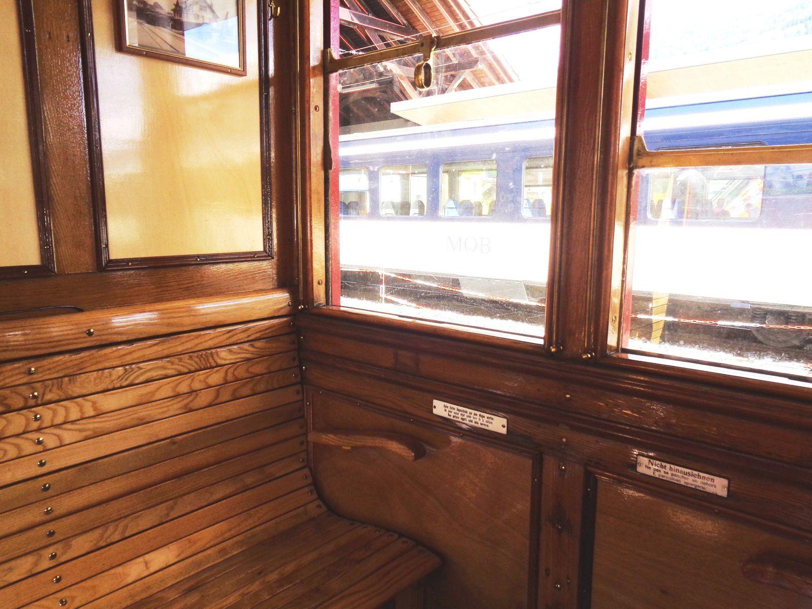 Rencontres autour de Sherlock Holmes : conférences, lamas et train à vapeur